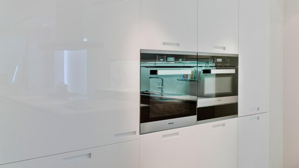Exposición de cocinas Santos en Misura Studio